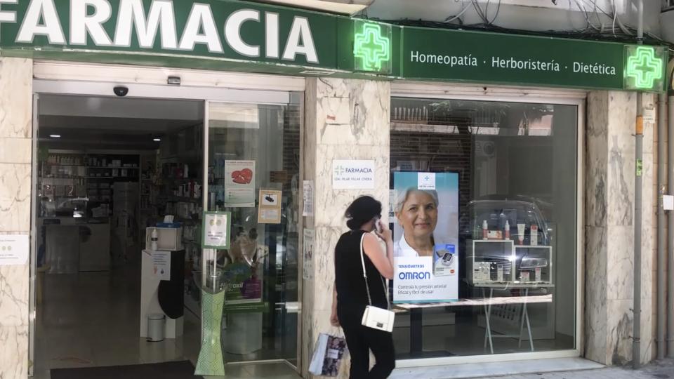 escaparte-farmacia-metro-ayora